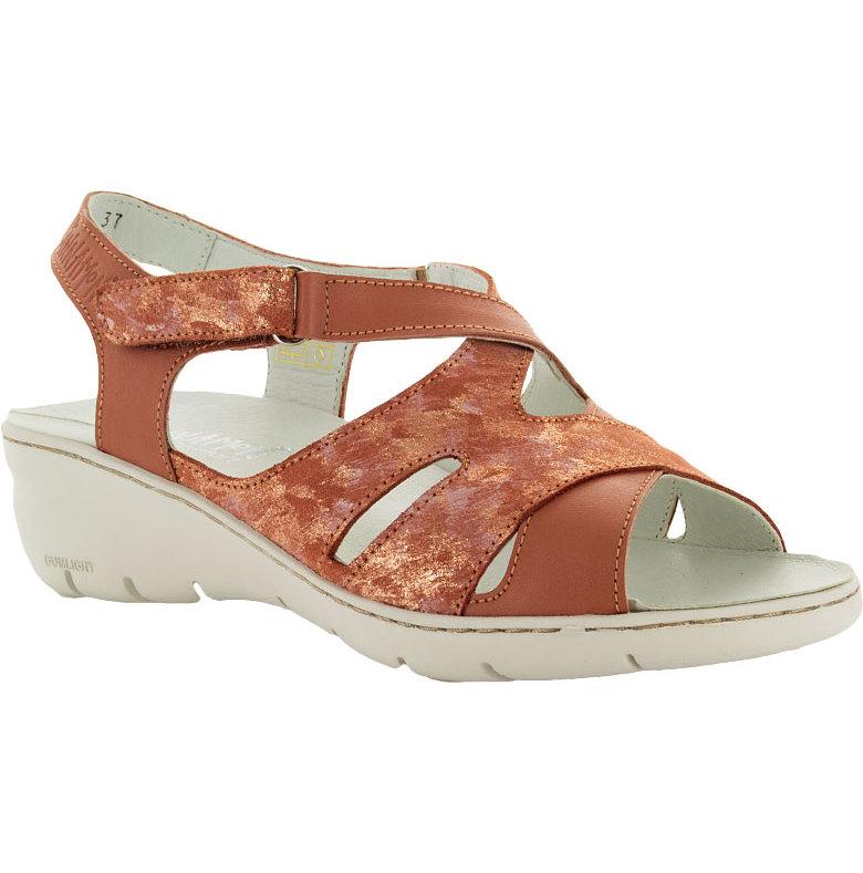 Bonnie aprikos sandal med kardborre runt ankeln