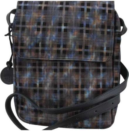 Väska med lock och axelrem rutig 212 blixtlås och magnetlås i skinn